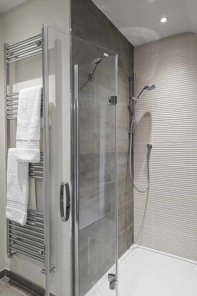 Beautiful Huppe showers