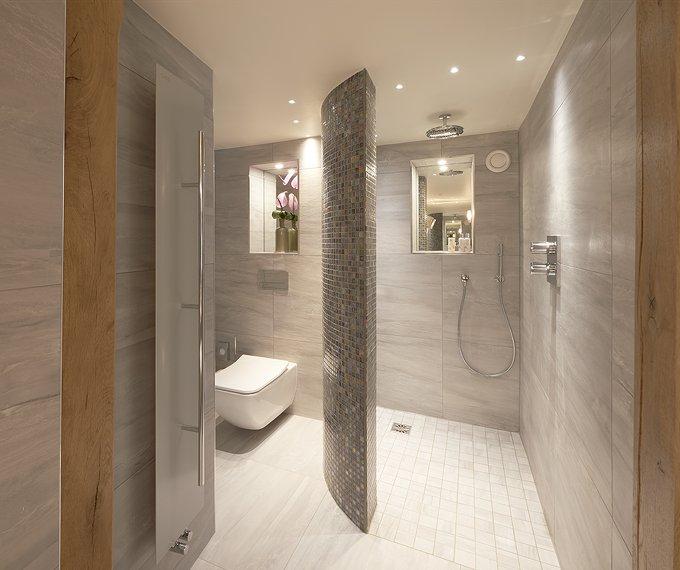 Hi-end shower room