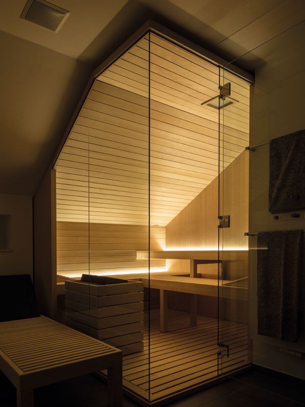 Made to measure sauna with enhanced under-bench LED lighting